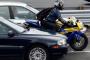 Ford 提出鑽車縫先期預警系統專利,保護車輛駕駛與騎士安全